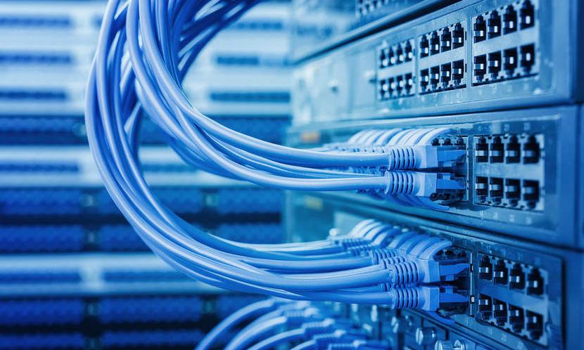 Статті PoE у відеоспостереженні: Мережеві реєстратори, PoE-комутатори, інжектори, сплітери